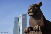 Denkmal an der neuen Europäischen Zentralbank
